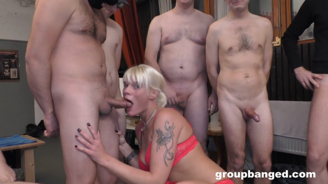 Stacey Lou GroupBanged